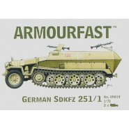 German Sd.Kfz.251/1 Hanomag: Pack includes 2 snap together tank kits