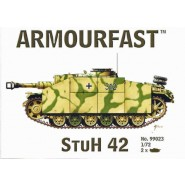 Stuh 42: Pack includes 2 snap together tank kits.
