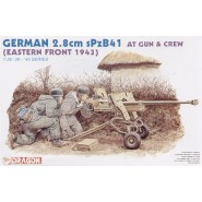 German 2.8cm sPzB41 anti tank gun and 2 crew figures