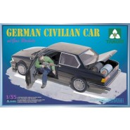 German Civilian Car (BMW) with Gas Rockets, Workable steering; 1 figure included